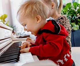 Toddler Music Lesson in Abu Dhabi