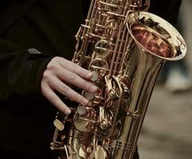 Saxophone lesson in Abu Dhabi
