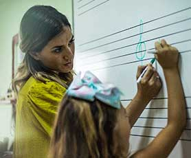 Music theory lesson in Abu Dhabi